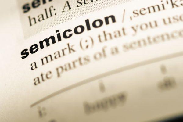 セミコロン 使い分け コロン